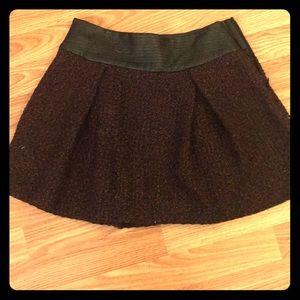 Maroon and black size 6 tweed skirt